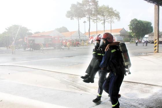 Vedan Việt Nam tổ chức buổi thực tập phương án chữa cháy và cứu nạn cứu hộ cho gần 150 cán bộ công nhân viên ảnh 2
