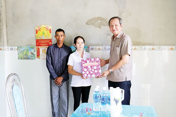 """Trao tặng nhà """"Đại đoàn kết"""" tại xã Đức Bình, huyện Tánh Linh và huyện Phú Quý, Bình Thuận ảnh 1"""