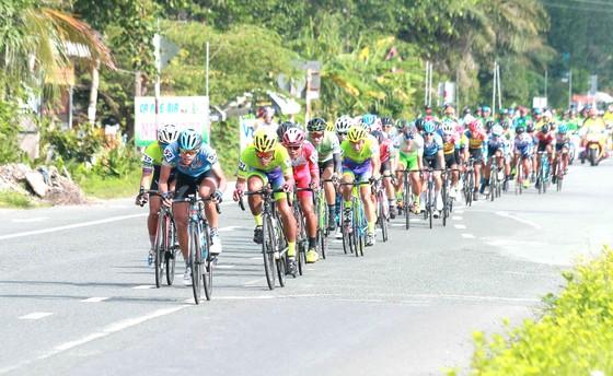 Giải đua xe đạp Cúp ĐBSCL phải tạm dừng vì thiếu kinh phí. Ảnh: DƯƠNG THU