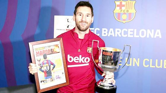 Lionel Messi vừa nhận danh hiệu Pichichi (Vua phá lưới La Liga) của mùa giải 2019-2020