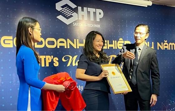 SHTP trao chứng nhận đăng ký đầu tư cho nhiều dự án ảnh 2