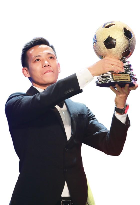 Giải thưởng Quả bóng vàng Việt Nam: Bản lĩnh vàng và những hồi ức đẹp ảnh 1