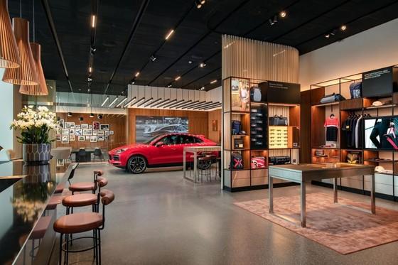 Porsche Studio đầu tiên được đặt tại Hà Nội ảnh 1