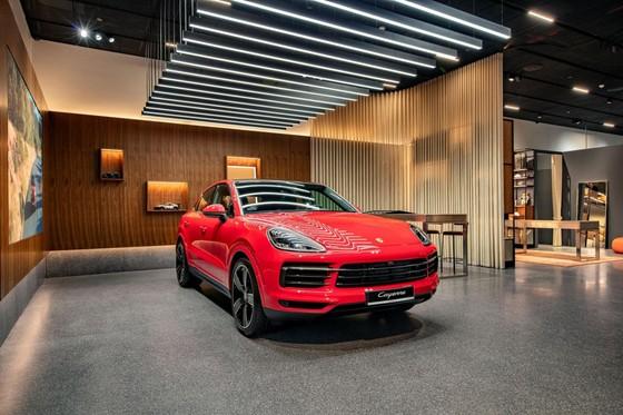 Porsche Studio đầu tiên được đặt tại Hà Nội ảnh 2