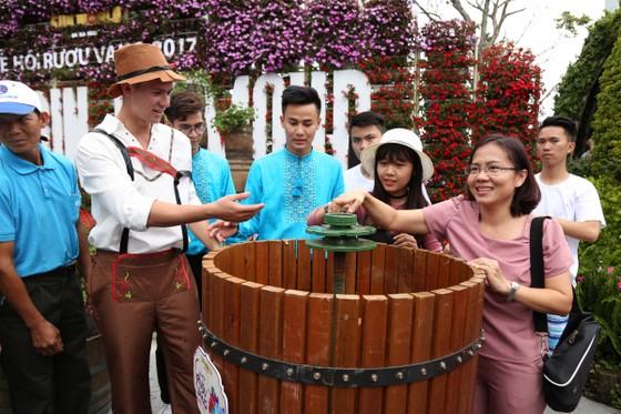 Ngất ngây trong không gian sôi động của Lễ hội rượu vang Sun World Ba Na Hills ảnh 8