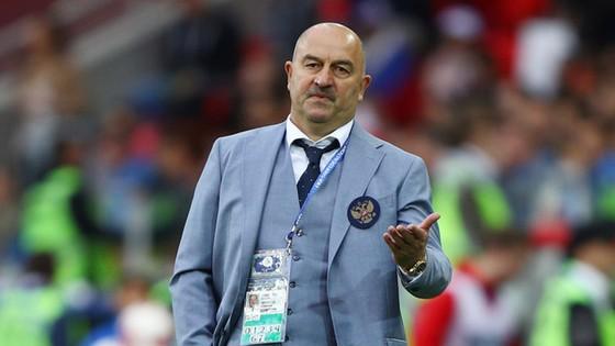 HLV trưởng tuyển Nga Stanislav Cherchesov.
