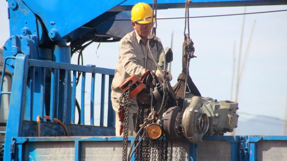 """Sự cố tàu vỏ thép: Doanh nghiệp bóc 3 máy tàu hàng """"chợ"""", thay lại máy chính hãng ảnh 7"""