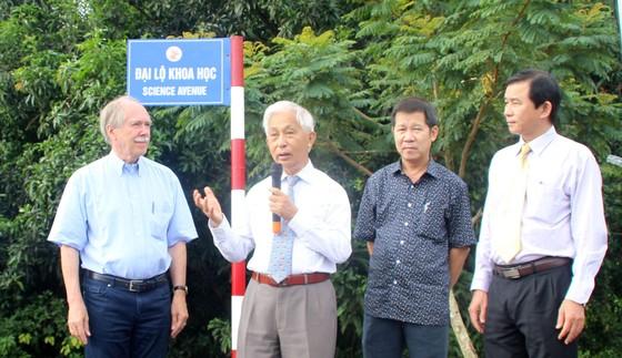 Giáo sư Gerardus 't Hooft đặt tên đường khoa học đầu tiên tại Việt Nam ảnh 3