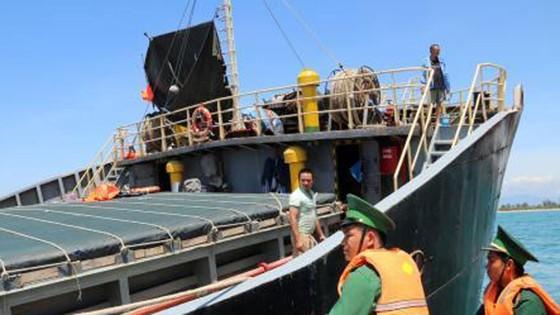 Khẩn trương cứu hộ tàu chở hơn 3.000 tấn hàng bị chìm trên vùng biển Ninh Thuận  ảnh 2