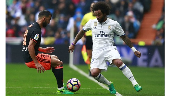 Real Madrid (2) - Valencia (7) (3 giờ 15 ngày 28-8): Cạm bẫy trên sân nhà ảnh 1