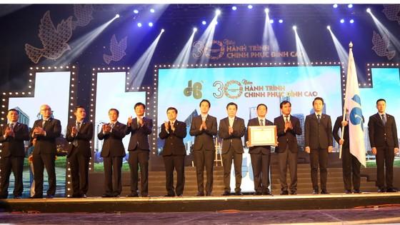 Tập đoàn Xây dựng Hòa Bình đón nhận Huân chương Lao động hạng Nhì ảnh 2