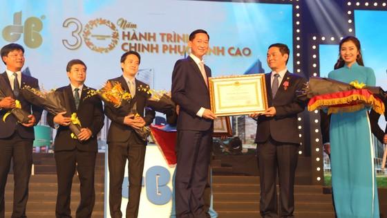 Tập đoàn Xây dựng Hòa Bình đón nhận Huân chương Lao động hạng Nhì ảnh 1
