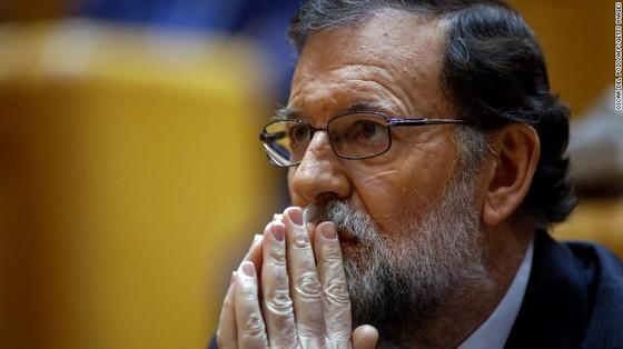 Catalonia chính thức tuyên bố độc lập khỏi Tây Ban Nha ảnh 2