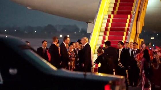 Tổng thống Hoa Kỳ Donald Trump đã đến Hà Nội ảnh 1