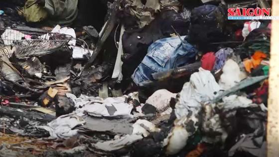 VIDEO: Lửa dữ dội thiêu rụi căn nhà trong hẻm sâu ảnh 1
