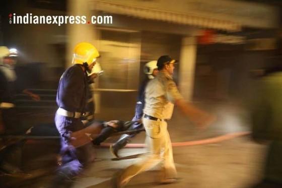 Ấn Độ: Cháy trung tâm thương mại, ít nhất 14 người chết, 16 người bị thương ảnh 4