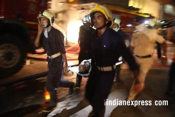 Ấn Độ: Cháy trung tâm thương mại, ít nhất 14 người chết, 16 người bị thương ảnh 6