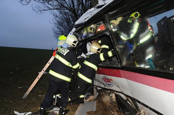 3 người chết, 45 người bị thương sau tai nạn giao thông tại Prague, Czech ảnh 3