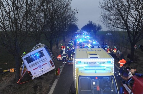 3 người chết, 45 người bị thương sau tai nạn giao thông tại Prague, Czech ảnh 4