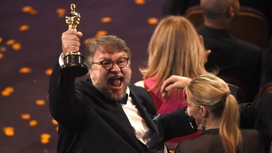 """""""The Shape of Water"""" thắng giải Oscar Phim hay nhất ảnh 18"""