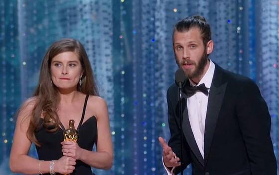 """""""The Shape of Water"""" thắng giải Oscar Phim hay nhất ảnh 10"""