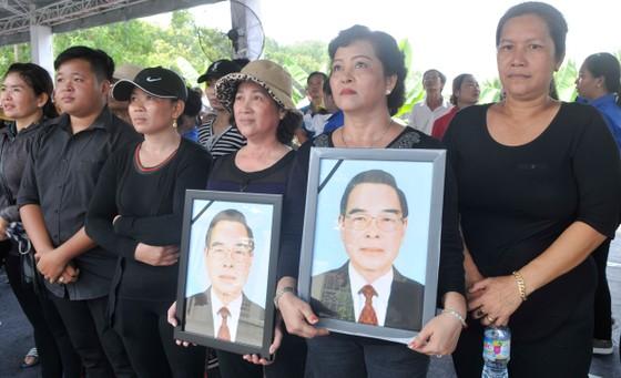 Lễ an táng nguyên Thủ tướng Phan Văn Khải ảnh 26