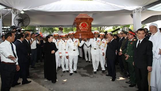 Lễ an táng nguyên Thủ tướng Phan Văn Khải ảnh 11