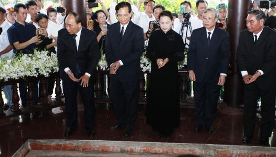 Lễ an táng nguyên Thủ tướng Phan Văn Khải ảnh 9