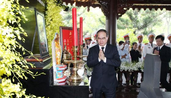 Lễ an táng nguyên Thủ tướng Phan Văn Khải ảnh 6
