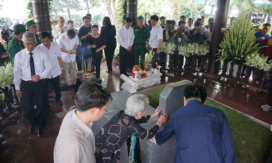 Lễ an táng nguyên Thủ tướng Phan Văn Khải ảnh 16