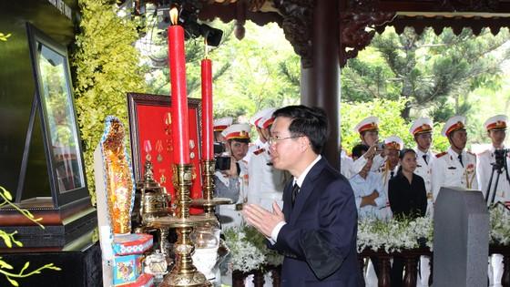 Lễ an táng nguyên Thủ tướng Phan Văn Khải ảnh 4
