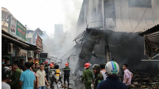 Cháy lớn thiêu rụi chợ Quang ở Thanh Trì, Hà Nội  ảnh 4