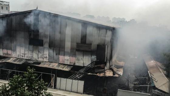 Cháy lớn thiêu rụi chợ Quang ở Thanh Trì, Hà Nội  ảnh 1