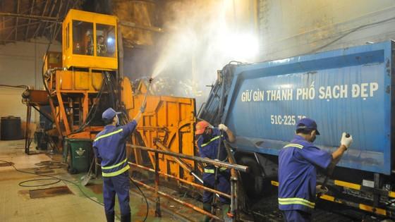 Hiện đại hóa khâu thu gom, vận chuyển và xử lý chất thải  ảnh 1