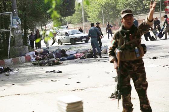 Afghanistan: Ít nhất 25 người thiệt mạng trong 2 vụ đánh bom liều chết tại Kabul ảnh 3