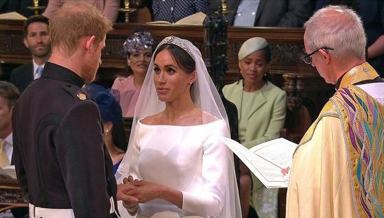 Hoàng tử Harry và Meghan Markle chính thức là vợ chồng ảnh 20