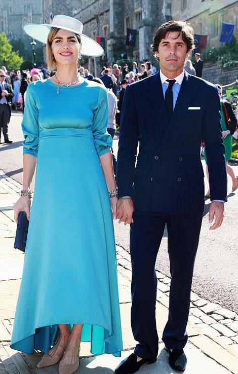 Hoàng tử Harry và Meghan Markle chính thức là vợ chồng ảnh 54