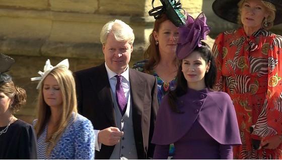 Hoàng tử Harry và Meghan Markle chính thức là vợ chồng ảnh 43