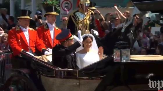 Hoàng tử Harry và Meghan Markle chính thức là vợ chồng ảnh 9
