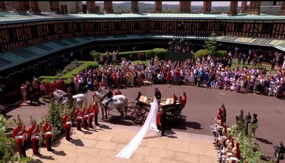 Hoàng tử Harry và Meghan Markle chính thức là vợ chồng ảnh 10