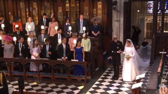 Hoàng tử Harry và Meghan Markle chính thức là vợ chồng ảnh 16