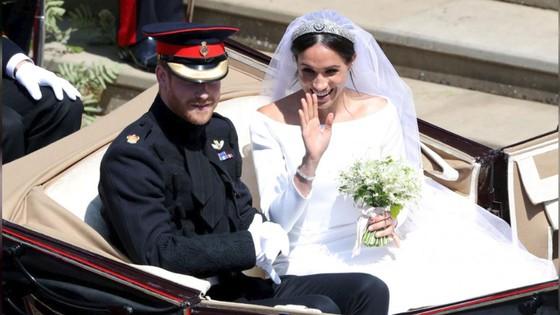 Hoàng tử Harry và Meghan Markle chính thức là vợ chồng ảnh 3