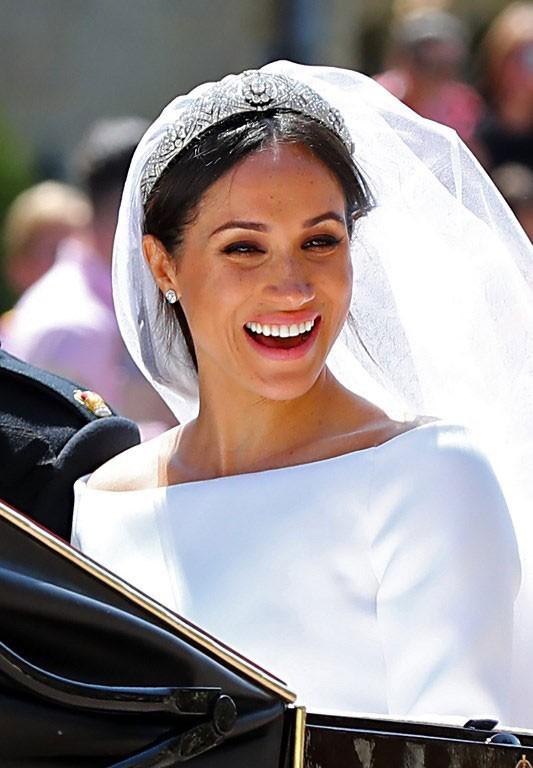 Hoàng tử Harry và Meghan Markle chính thức là vợ chồng ảnh 2