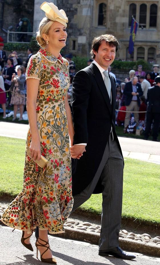 Hoàng tử Harry và Meghan Markle chính thức là vợ chồng ảnh 45