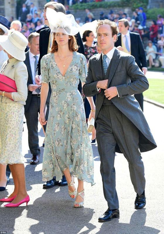 Hoàng tử Harry và Meghan Markle chính thức là vợ chồng ảnh 46