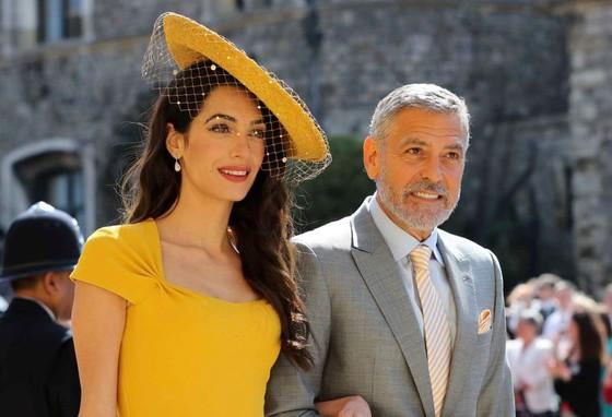 Hoàng tử Harry và Meghan Markle chính thức là vợ chồng ảnh 60