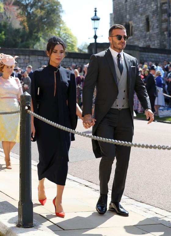Hoàng tử Harry và Meghan Markle chính thức là vợ chồng ảnh 59