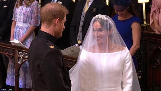 Hoàng tử Harry và Meghan Markle chính thức là vợ chồng ảnh 22