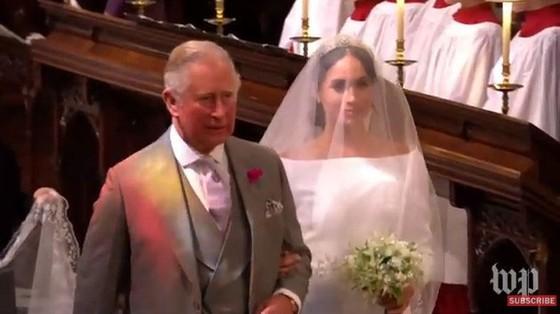 Hoàng tử Harry và Meghan Markle chính thức là vợ chồng ảnh 27