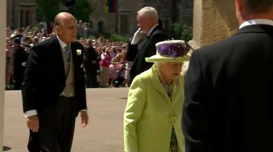 Hoàng tử Harry và Meghan Markle chính thức là vợ chồng ảnh 31